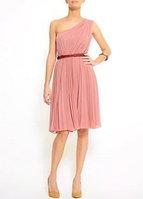 Платья-плиссе продаются в. например, бренд Vila.  Стоил около 3х тысяч...