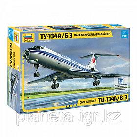 Пассажирский авиалайнер Ту-134А/Б-3, сборная модель, 1:144