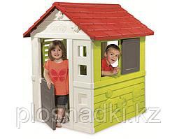 Игровой домик, с окнами, ставнями, дверьми, украшена рисунками животных