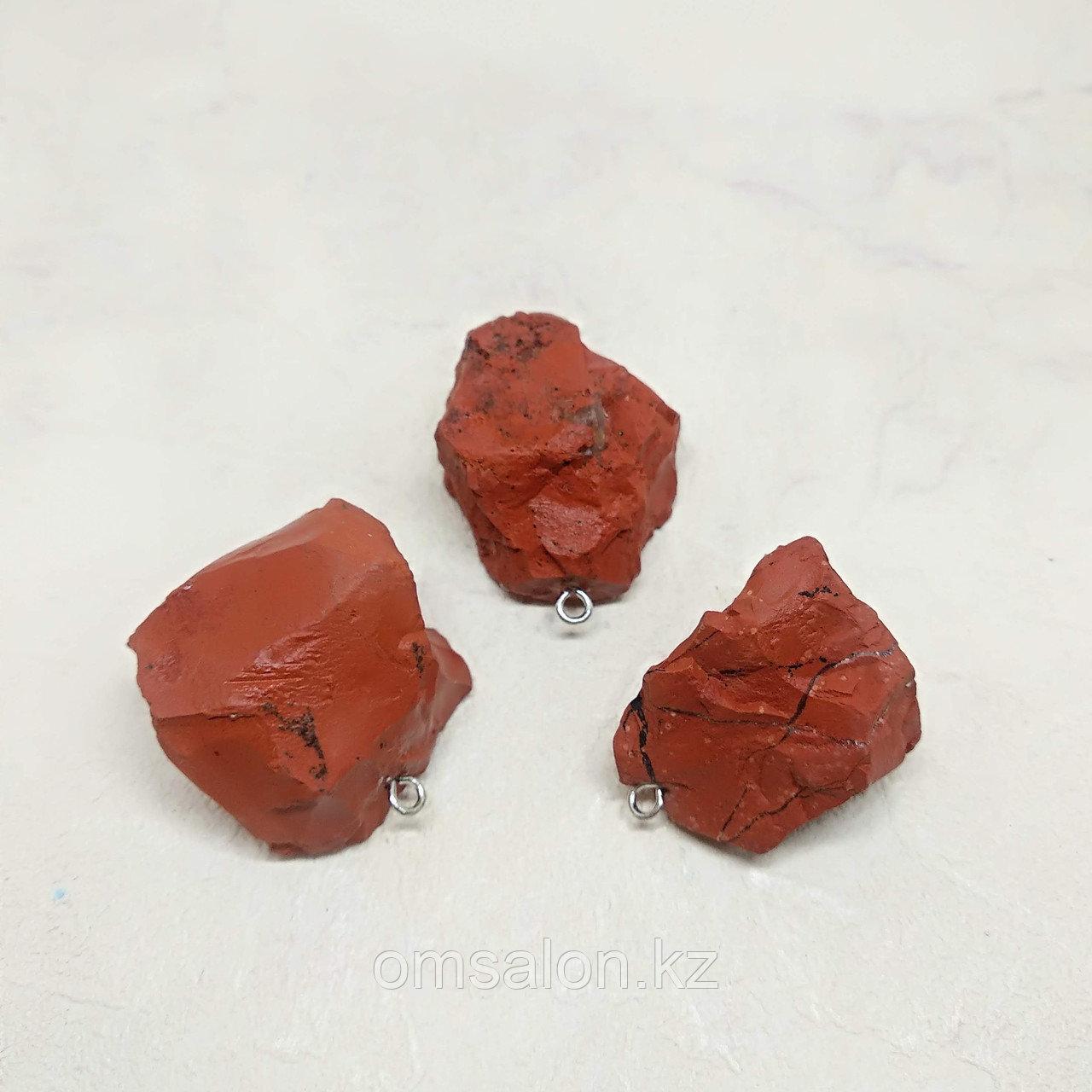 Кулон из необработанной красной яшмы, 30х20мм