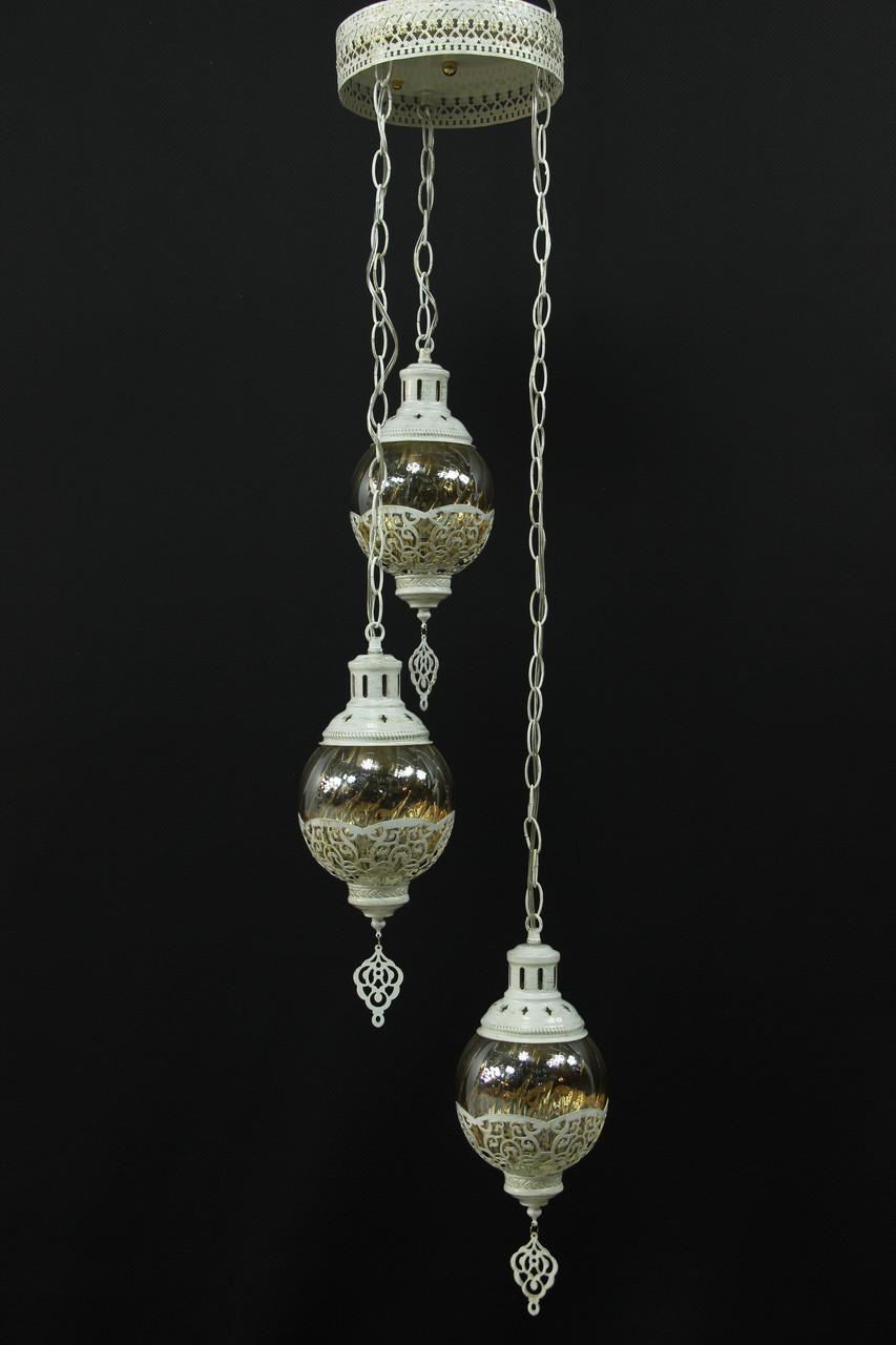 Подвесная люстра в восточном стиле на 3 лампы.