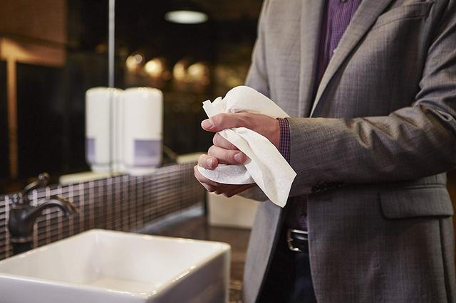 салфетки для вытирания рук и лица