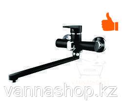 Однорычажный смеситель для ванны с длинным изливом (черный)