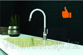 Однорычажный смеситель для кухни цветной (белый)