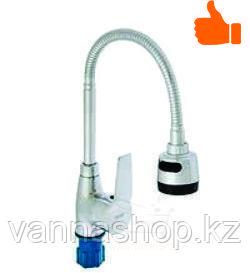Однорычажный смеситель для кухни с гибким изливом (гаечное крепление)