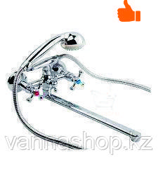 Двухвинтовой смеситель для ванны с длинным изливом