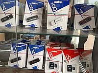 Флеш-накопитель Smartbuy 8GB Mini series White