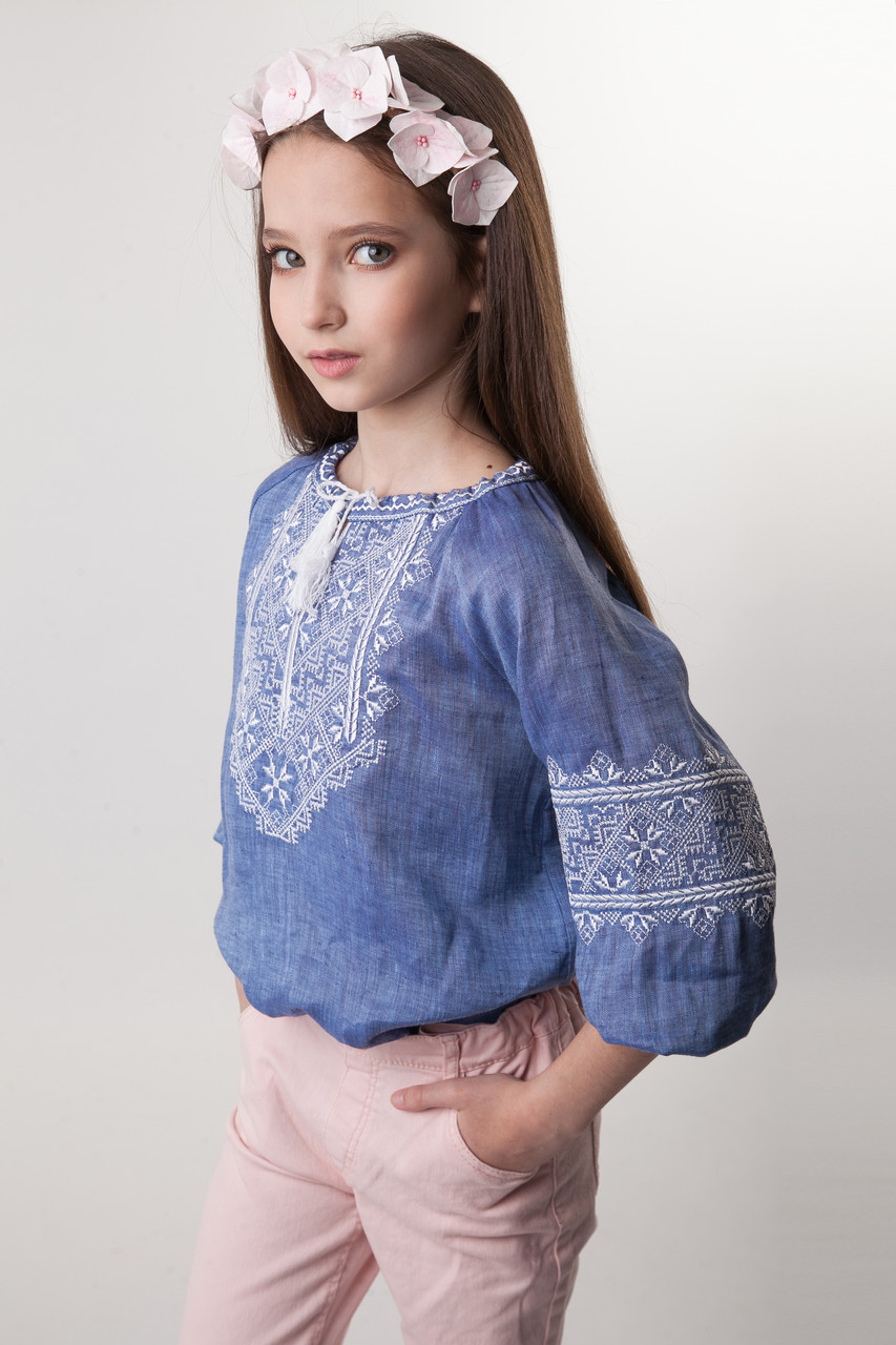Джинсовая вышиванка для девочки - фото 5