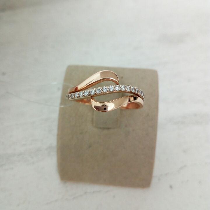 Золотое кольцо с фианитами / 18 размер
