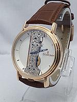 Часы унисекс Corum 0005-60
