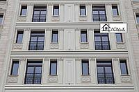 Обрамление окон здания