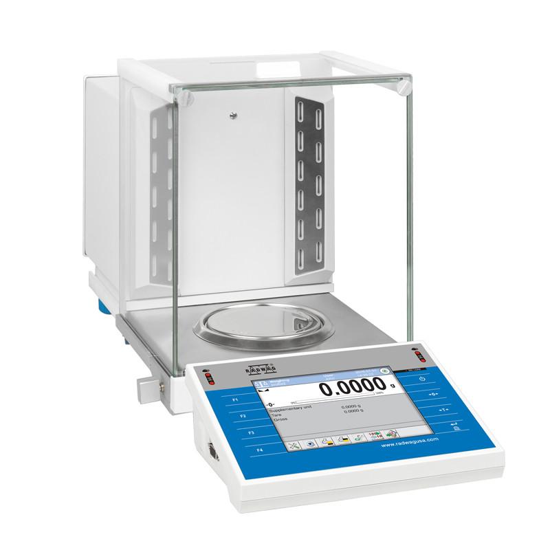 Аналитические весы со встроенным ионизатором воздуха ХА 220.4Y.A