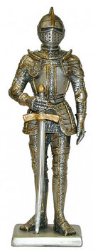Статуэтка оловянный солдатик Wise Unicorn Рыцарь С мечом в панцирных латах, Высота: 105 мм, Материал: Оловянны