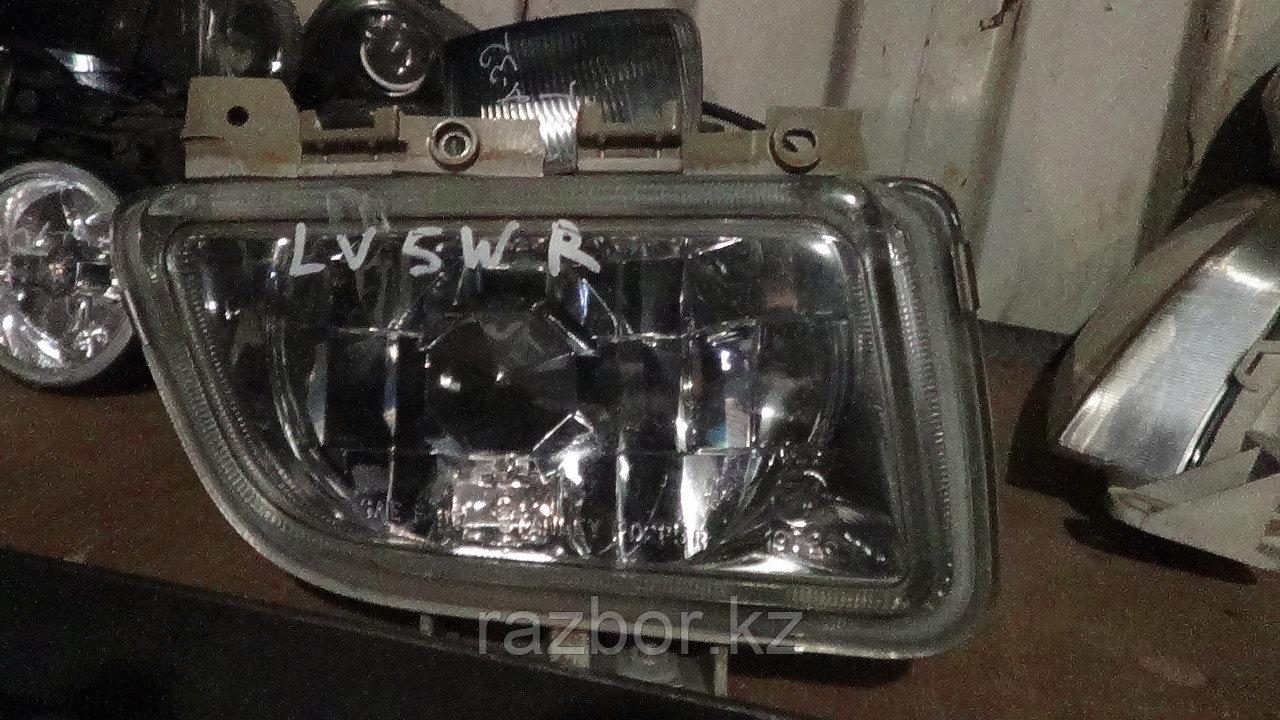 Противотуманка правая Mazda MPV