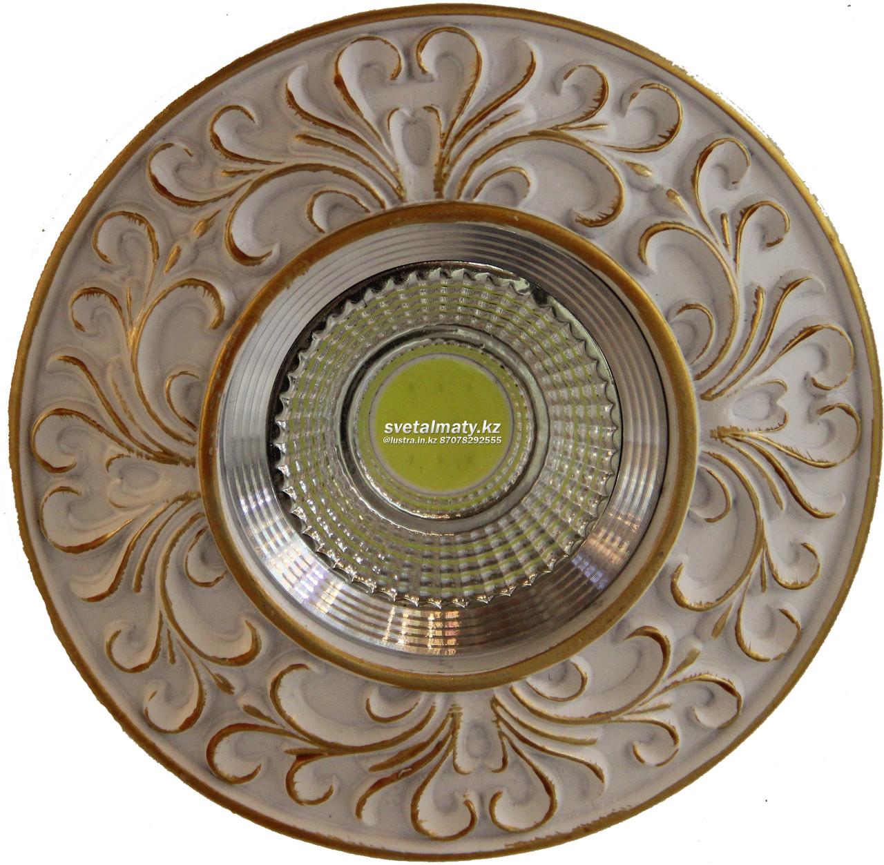 Встраиваемый потолочный спот (соффит) с золотом