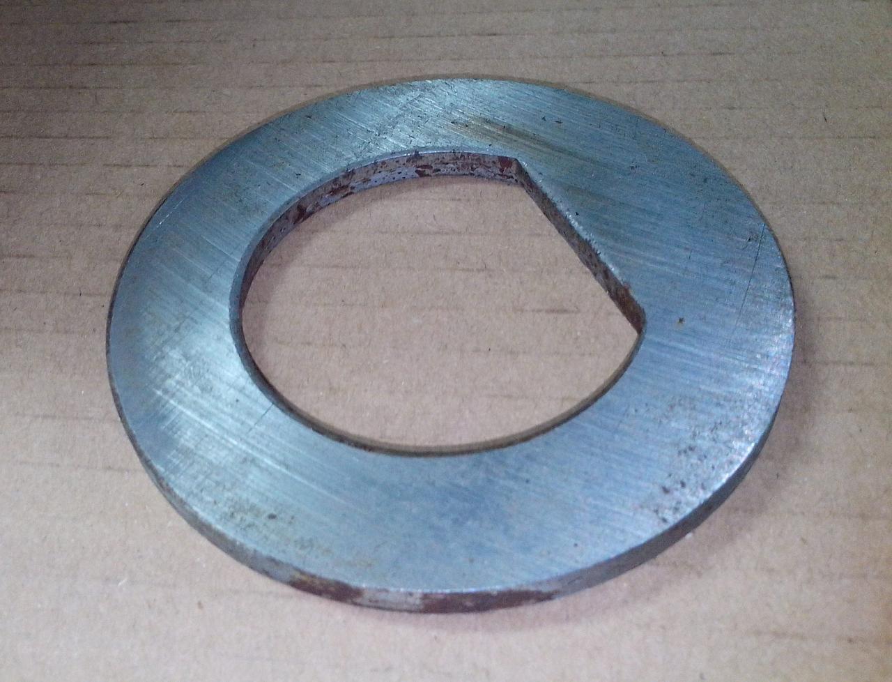 Шайба передней ступицы (большая) 81.44303.0021