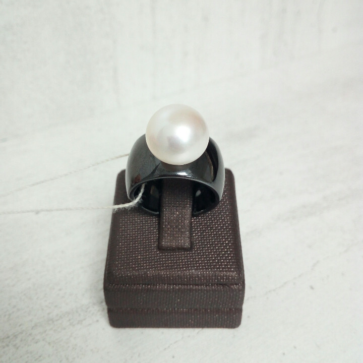 Кольцо - керамика с жемчугом / 17 размер
