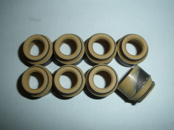 Колпачок маслоотражательный клапана (сальник) ВЗ
