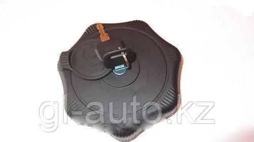 Крышка топливного бака (пластмасс) с ключами с защитой