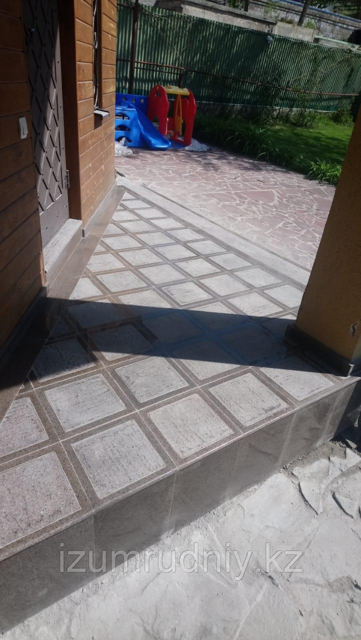 Термообоженная  гранитная плитка (не брусчатка)