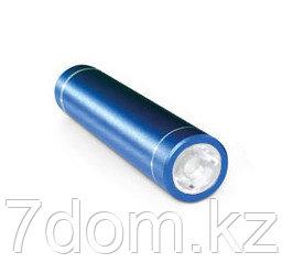 Алюминиевое зарядное устройство с фонариком. Емкость: 2200 мА/ч