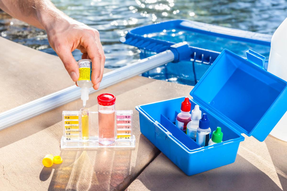 Контроль химического состава воды в бассейне