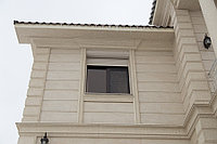 Фасадный декор под травертин