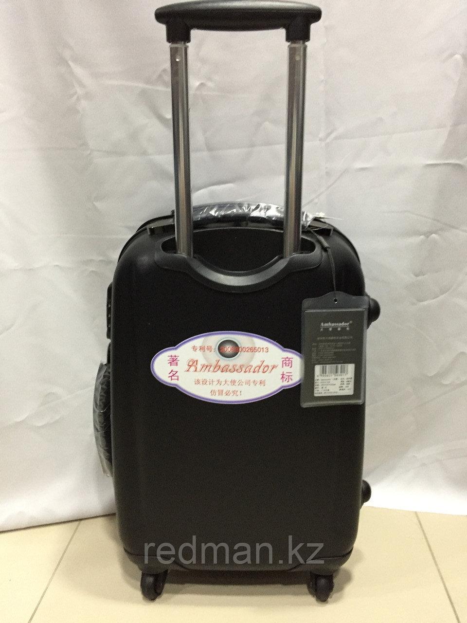 Маленький из поликарбоната дорожный чемодан на 4-х колесах Ambassador (амбассадор, оригинал)