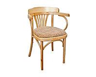 Кресло деревянное из березы с мягким сидением из текстиля Классик Люкс (Б 6072-2) лакированное