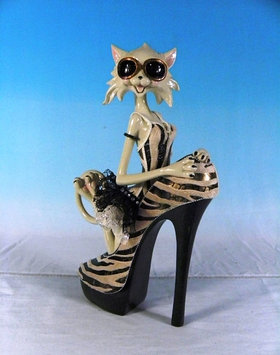 Статуэтка декоративная ENS Кошка-модница, Высота: 325 мм, Материал: Полистоун, текстиль, Цвет: Чёрно-коричневы