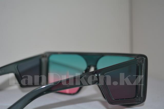 Солнцезащитные очки закрытые по бокам с градиентными голубо-розовыми линзами