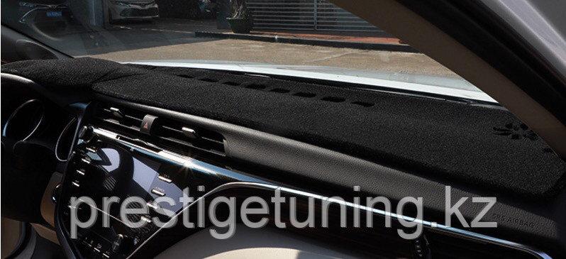 Накидка на панель Camry V70