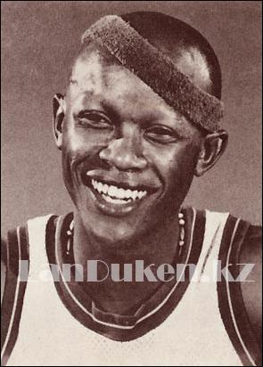 Спортивная повязка на голову черная