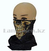 Бандана на резинке треугольная с золотым черепом 48 см