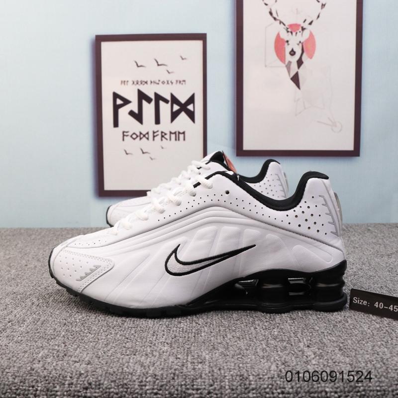 Кроссовки Nike Shox R4