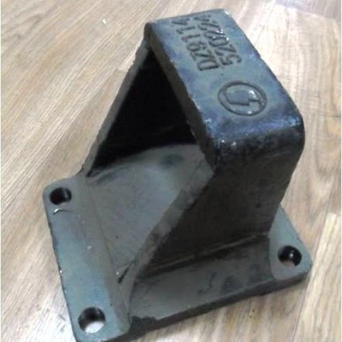 Кронштейн задней рессоры (правый) DZ9114520616