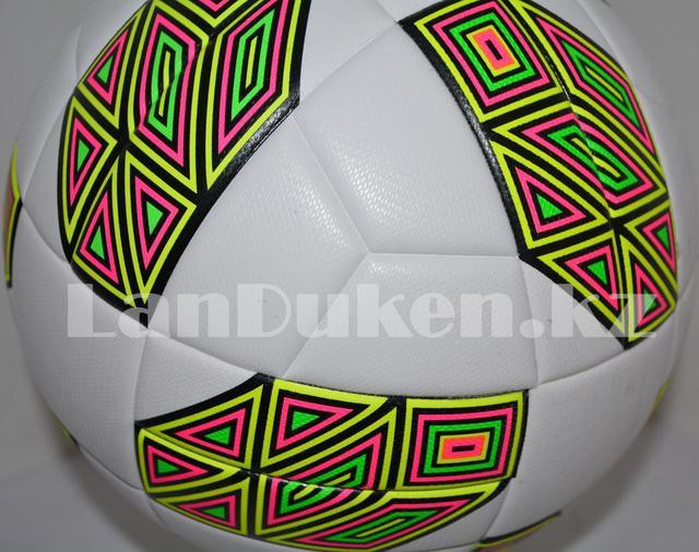 Футбольный мяч  GF-2019-12 белый с разноцветным шестиугольником