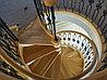 Лестница винтовая с ковкой