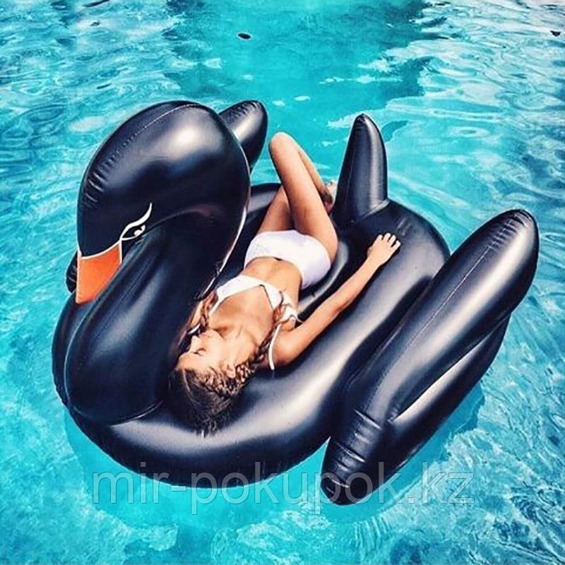 Пляжный надувной матрас Черный лебедь, 190 см