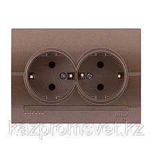 702-3131-127 Розетка двойная скрытой установки с заземляющим контактом Deriy
