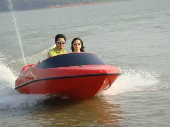 Лодка J1