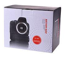 Батарейный блок на Nikon D3000, фото 3
