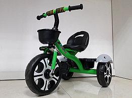Трехколесный велосипед на гелиевых колесах