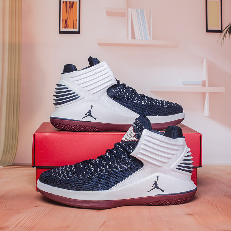 Баскетбольные кроссовки Air Jordan 32 (XXXII ) White\Blue
