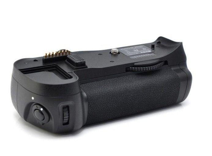 Батарейный блок на Nikon D700