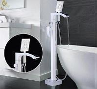 Gappo 3007-8 смеситель для ванны напольный белый+хром