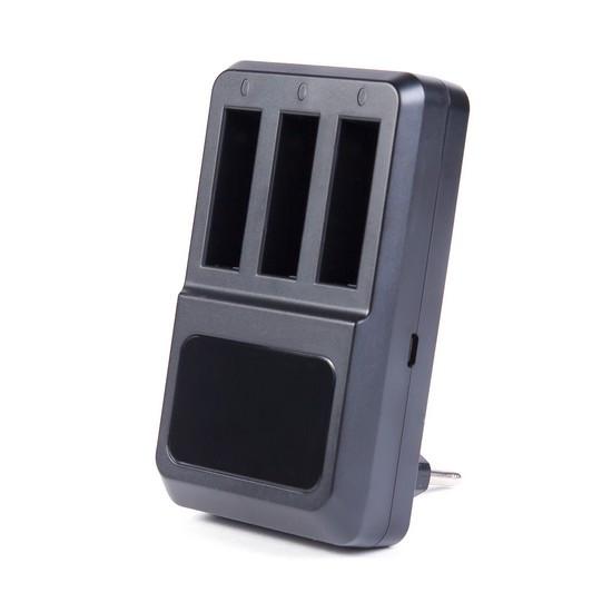 Зарядка для 3 батарей GoPro Hero 4 от USB Deluxe DLGP-404 Зарядка для 3 батарей GoPro от USB, Deluxe