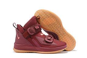 Баскетбольные кроссовки Nike LeBron Soldier 13