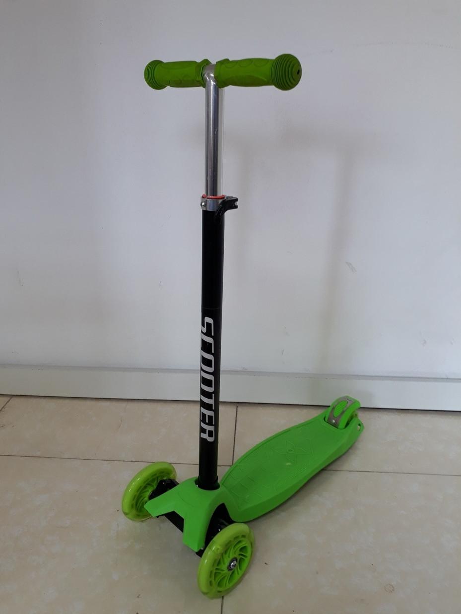Трехколесный детский самокат Scooter