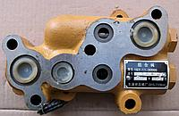 Клапан перепускной на бульдозер Shantui SD16